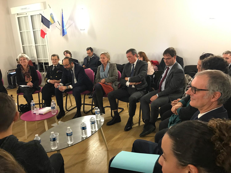 Aljp Jean Pierre Paray participe à la table ronde avec le premier ministre Edouard philippe