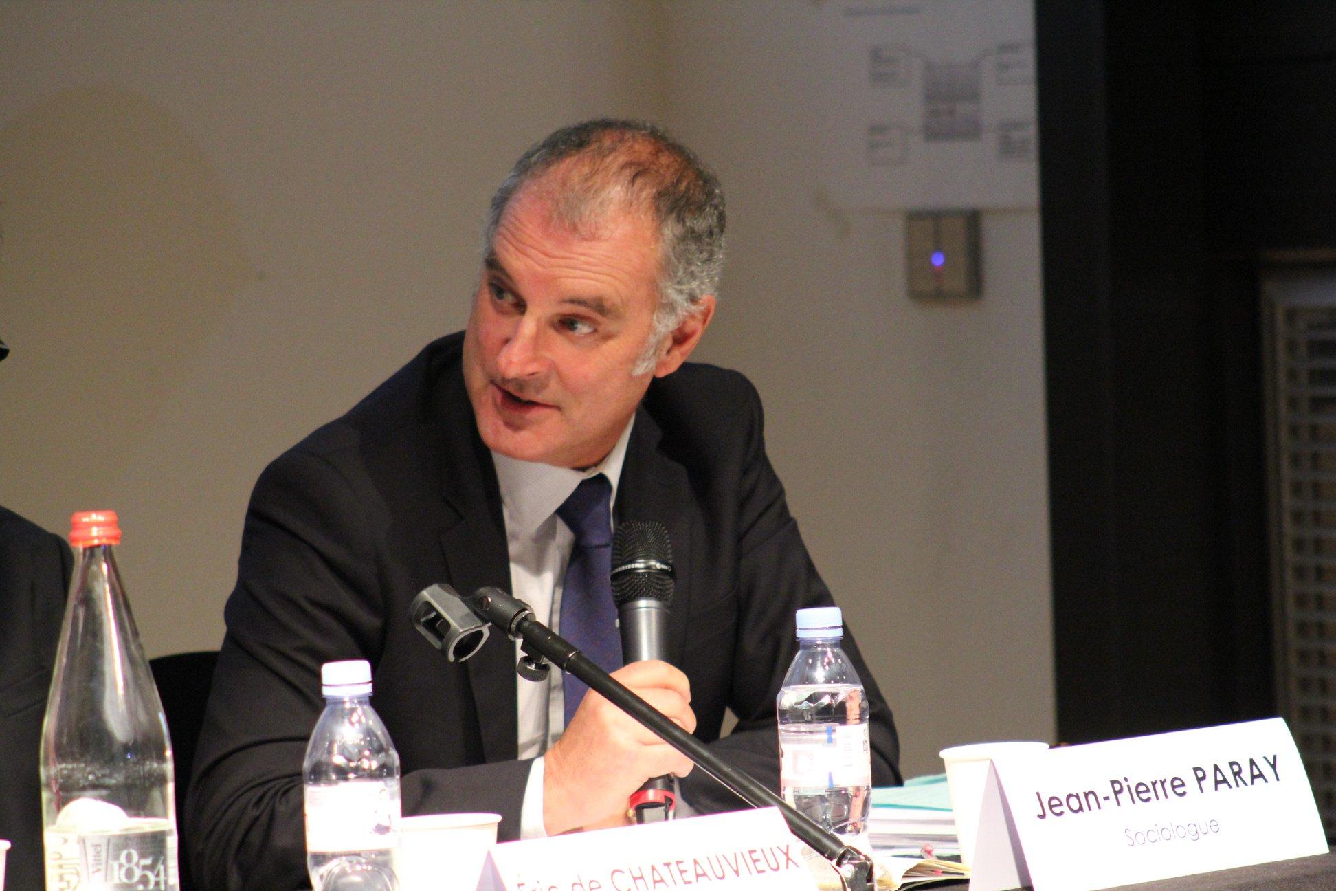 Jean Pierre Paray est intervenu devant plus de 100 personnes à la Mutualité Francaise sur Faire face au risque de la désinsertion professionnelle